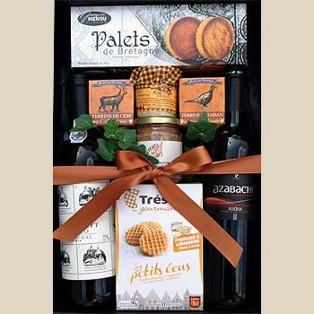 geschenkbox wein snacks geschenkkorb pr sentkorb. Black Bedroom Furniture Sets. Home Design Ideas